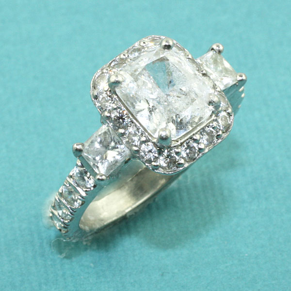 Custom Halo Diamond Engagement Ring